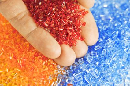 Gránulos de polímero de plástico